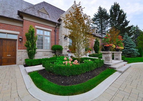 Front Yard Landscaping Ideas – Convert Bland Garden into Landscaping Dream