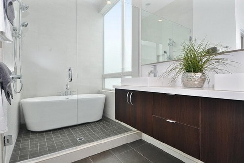 Various Types Of Soaking Tubs For Small Bathrooms Home