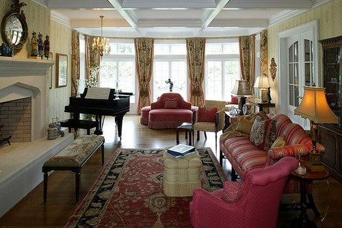 Luxury-English-Country-House-Pink-Sofa-Living-Room-Furniture-and-Decoration-Ideas