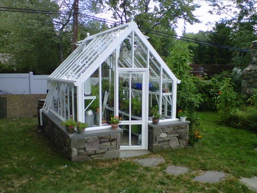 Choosing The Best Materials For Greenhouse Roof Home