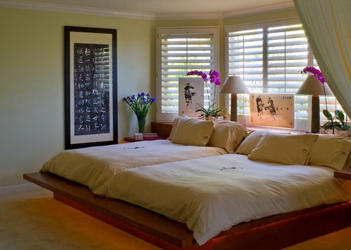 Asian-style-contemporary-small-bedroom-design-double-platform-bed-ideas