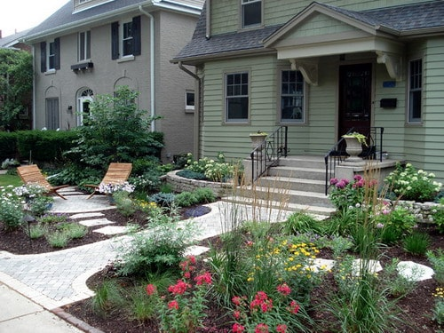 Flagstone-Front-Yard-Patio-Small-Garden-Landscape-Ideas