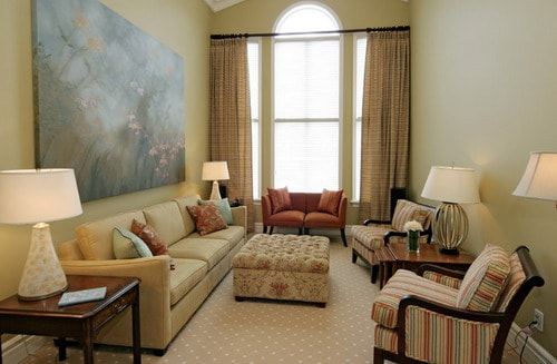 Long living room layout to make narrow space look great for Small traditional living room ideas