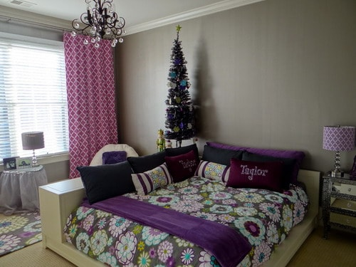 Teenage Girls Room for College