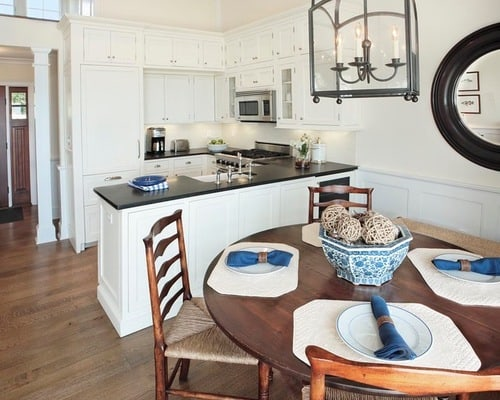 Small-traditional-kitchen-and-dining-room-layout-ideas
