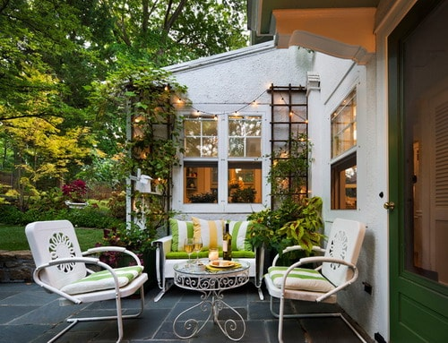 White-painted-outdoor-furniture-traditional-patio-decor-ideas