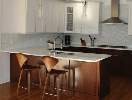 Kitchen-sink-peninsula-white-maple-cabinets-ideas
