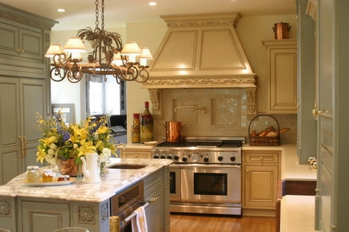 Remodeling-classic-style-traditional-small-kitchens-design-painting-kitchen-cabinets-ideas