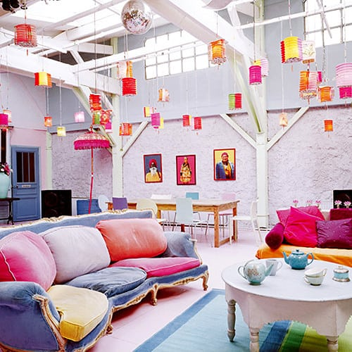 Some Easy Ideas for Designing Colorful Living Room