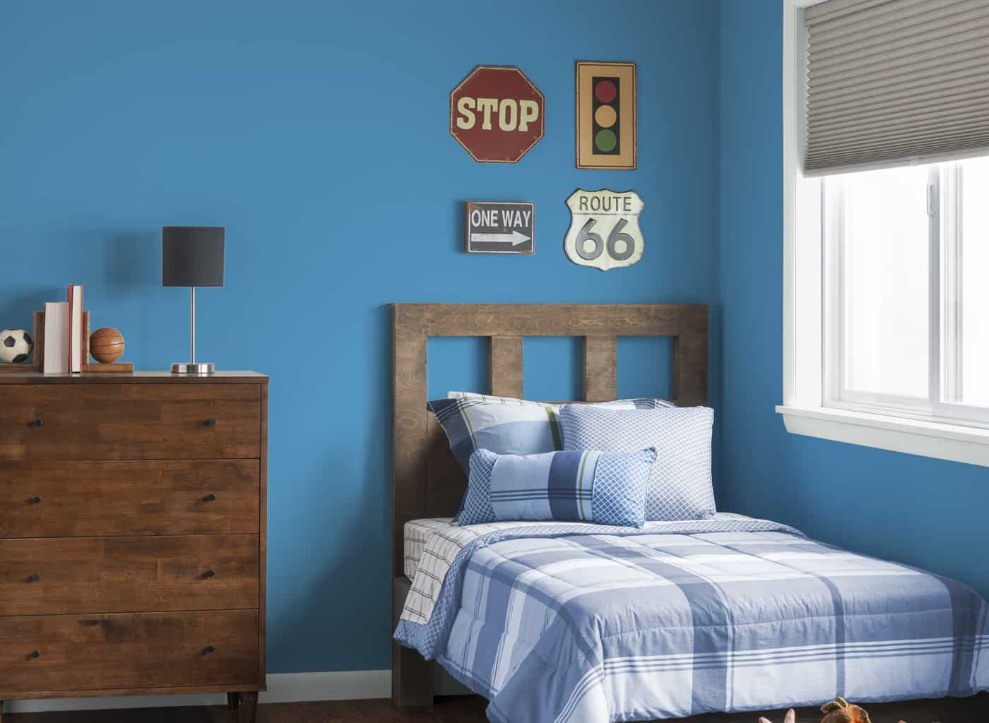 glidden-cil-blue-bedroom-caribean-sea