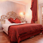 Small Size Romantic Bedroom for Couples