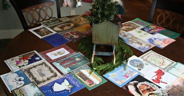 diy-table-decoration-christmas-card-recycling-paper-original-idea