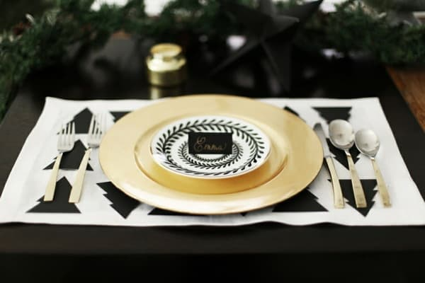 white-black-diy-table-cloth-decoration-gold-plate-ideas