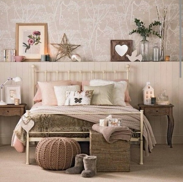 vintage romantic bedroom