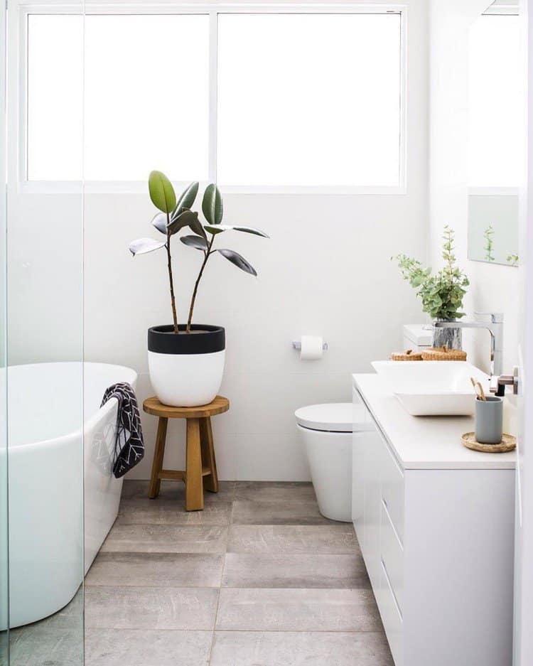 Small Scandinavian Bathroom Design 13